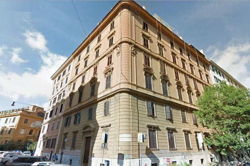 Centro storico appartamento in vendita appartamento in for Appartamento roma centro vendita